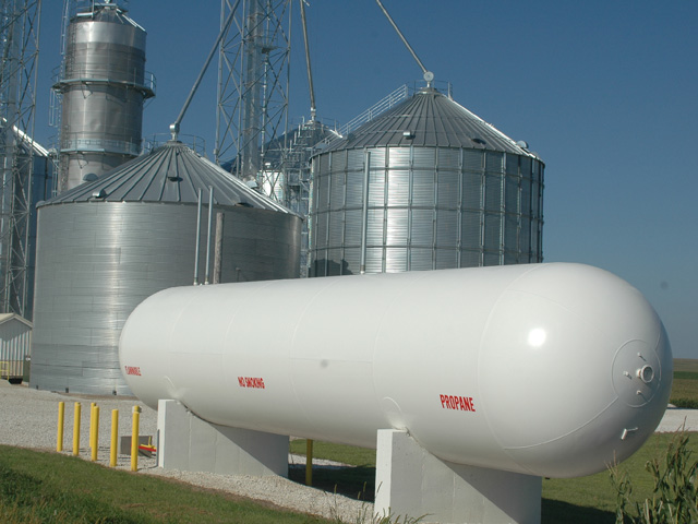 Farmers across the Corn Belt are finding it challenging to find enough propane to complete harvest. (DTN/Progressive Farmer file photo)