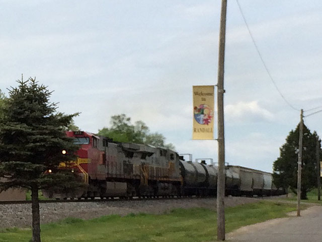 BNSF train heading east through Randall, Minnesota. (DTN photo by Mary Kennedy)