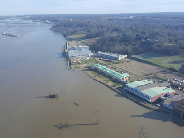 The swollen Mississippi River in Vicksburg crested January 15, at a level lower than original expectations. (Photo courtesy Vicksburg Mayor George Flaggs Jr.)