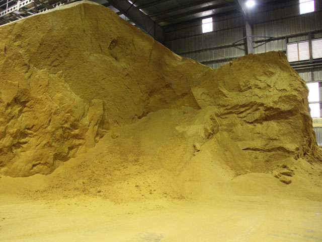 DTN's weekly average spot price for domestic distillers dried grains was unchanged at $141 per ton. (DTN file photo by Elaine Shein)