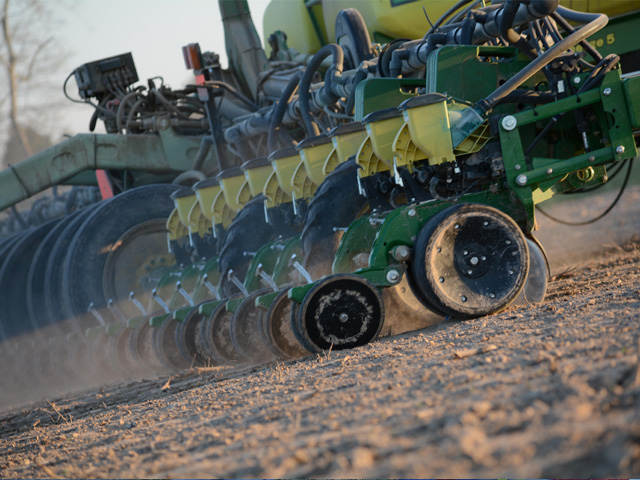 Row-crop planting in 2018 may see some delays due to wetter and cooler conditions, especially in the Midwest. (DTN file photo)