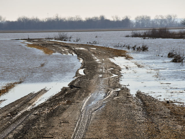 Widespread flooding this spring damaged fields, roads and structures across Nebraska, southwestern Iowa and down into Missouri. (DTN file photo by Russ Quinn)