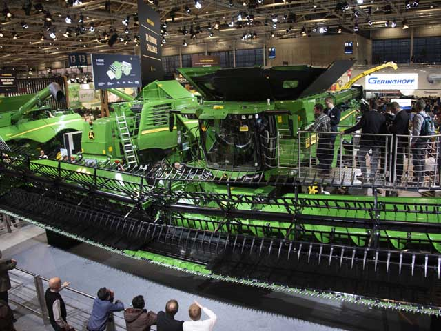 Deere said limited X9 combines will be available for demonstration during the 2020 harvest season. (DTN/Progressive Farmer photo by Joel Reichenberger)
