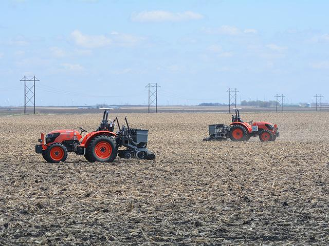 Sabanto Inc. has been planting and cultivating fields across the Midwest. (DTN/Progressive Farmer photo by Matthew Wilde)