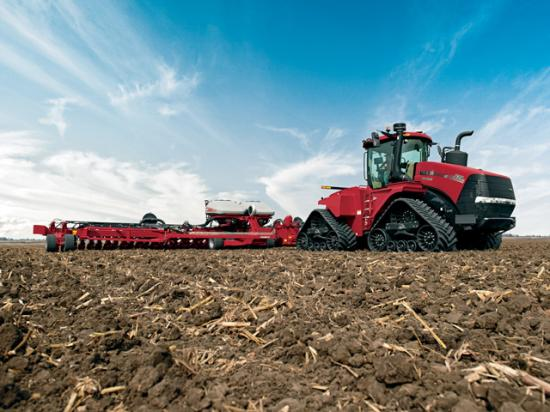 Larger row-crop and articulated four-wheel-drive tractors have enjoyed increasing sales success since late in 2020. Sale of these units rose 15.1% last month over April 2020. (Photo courtesy of Case IH)