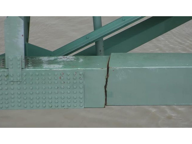 A structural crack in the I-40 bridge over the Mississippi River from Memphis to West Memphis was found Tuesday, May 11, during a routine exam of the bridge, closing the bridge to all vehicle and river traffic. (Photo by the Tennessee Department of Transportation)