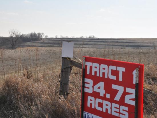 Provisions advanced by the House Ways and Means Committee on Wednesday would exempt higher levels of farmland when estates are calculated but raise capital gains rates when large amounts of property such as real estate are sold. The bill maintains stepped-up basis for heirs, which farm groups fought to protect. (DTN file photo)