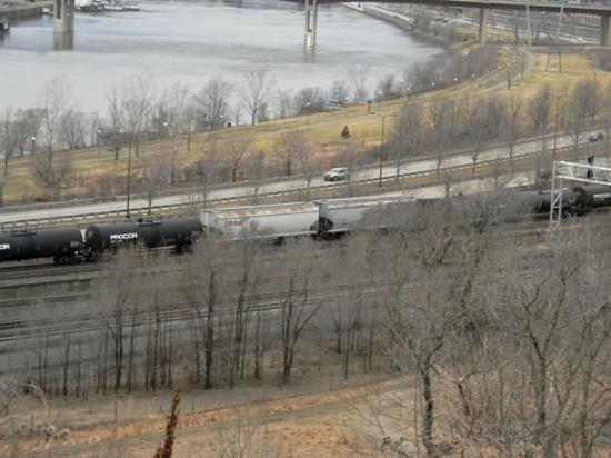 A Canadian Pacific train heads into St. Paul, Minnesota, along the Mississippi River. (DTN photo by Mary Kennedy)
