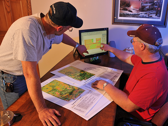 Experts say freelancing will become more prominent over the next decade, and there are numerous ways this type of labor can improve efficiency on the farm. (DTN file photo)