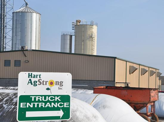 Hart AgStrong came into Kentucky in 2014 with high expectations and a new canola crushing facility. Losses on the stored 2015 crop have caused the company to struggle as it still tries to pay farmers for canola delivered last year. (DTN photo by Chris Clayton)