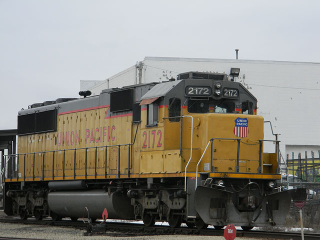 A Union Pacific locomotive sits at an elevator along the Mississippi River in St. Paul, Minnesota. (DTN Photo by Mary Kennedy)