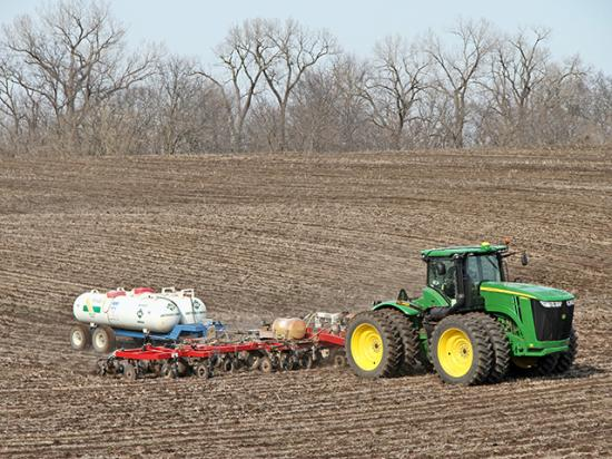 U.S. and Canadian fertilizer industry groups praise the USMCA trade deal and say it will help farmers who depend on cost-effective products. (DTN photo by Pamela Smith)