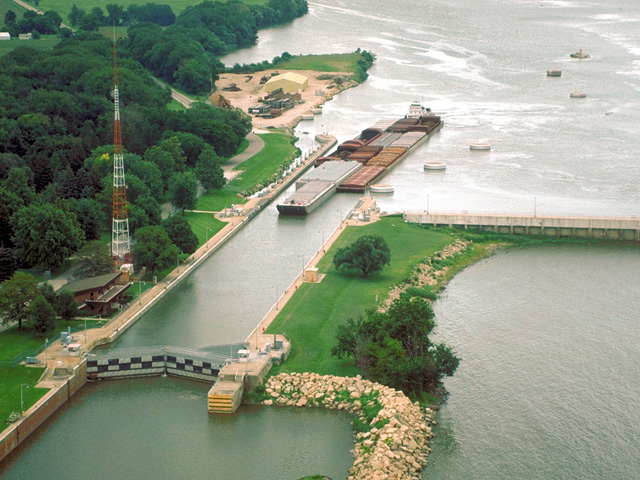 The Starved Rock Lock and Dam on the Illinois River is one of the areas scheduled for a full 14-day closure, beginning Sept. 21, for repairs. (Photo courtesy of USACE)