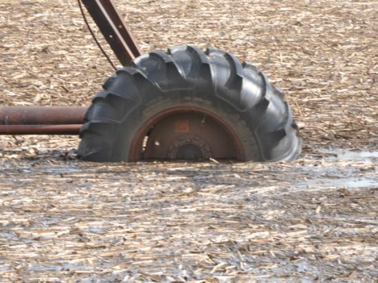USDA has changed policies around prevented planting that likely will affect coverage and indemnities in the Northern Plains. Floods in parts of Nebraska in 2010 kept the fields around this center-pivot wheel from being planted. (DTN file photo by Russ Quinn)