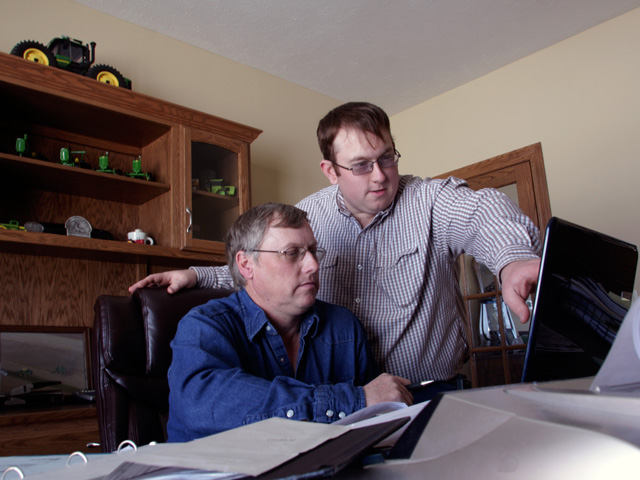 Implementing real-time, site-specific business software can help farmers remain profitable. (DTN/The Progressive Farmer file photo)