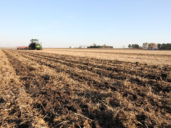 Reid Thompson of Colfax, Illinois, incorporates dry fertilizer as he strip-tills a field late last fall. (DTN photo by Pamela Smith)