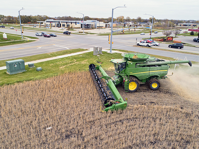 This field, at the corner of 36th Street and North Ankeny Boulevard, in Ankeny, Iowa, is slated for development. It will soon be filled with businesses and houses. (Progressive Farmer image by Matthew Putney)