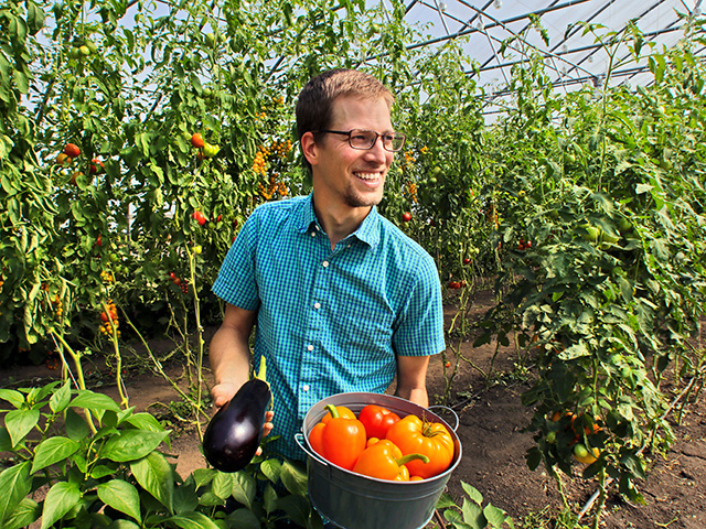After experimenting with about 100 vegetables, Tyler Strom focuses on tomatoes, peppers, eggplant, sweet corn and leafy greens. (Progressive Farmer image by Dave Tonge)