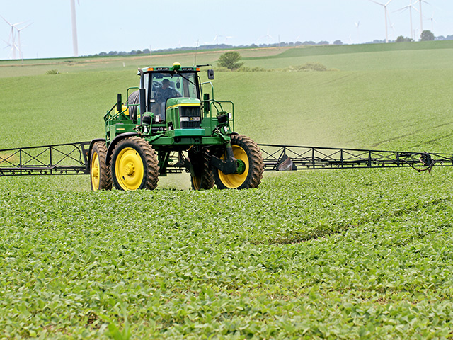 Three companies, Bayer, BASF and Corteva, are continuing to challenge a June 3 federal court decision to vacate the registration of their dicamba herbicides. (DTN photo by Pamela Smith)