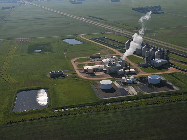 Agriculture and biofuels groups pressed a federal appeals court to force EPA to return to the Renewable Fuel Standard 500 million gallons of ethanol found to have been improperly waived from the RFS. (DTN file photo by Tom Dodge)