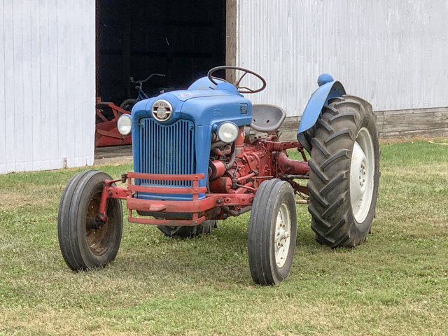 This Ford 641 tractor is owned by Chris Campbell of Tuscola, Illinois. The 641 was part of the Workmaster series and was manufactured from 1957 to 1962. (Photo courtesy of Chris Campbell)