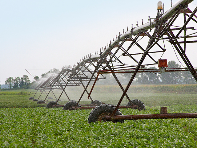 "When it comes to water use in agriculture, the adoption of new irrigation technologies including drip and sprinkler irrigation, is not having ""big, system-wide benefits,"" according to Mark Rosegrant, director of the environment and production technology division of the International Food Policy Research Institute in Washington, D.C. (Progressive Farmer photo by Des Keller)"