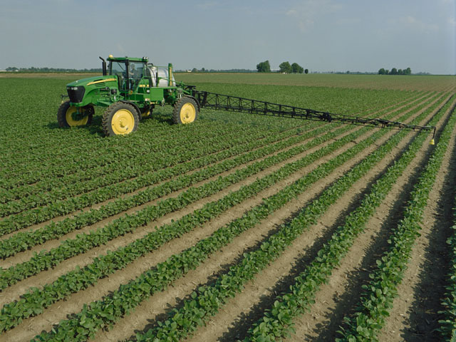 A new single-ingredient 2,4-D choline herbicide joins the Enlist technology ranks. The trait is good to go in cotton and corn, but awaits some import approvals in soybean. (DTN/The Progressive Farmer photo by Jim Patrico)