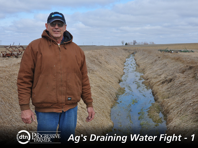Randy Souder, a farmer from Calhoun County, Iowa, is among the farmers in the Raccoon River watershed in Iowa caught up in the litigation between Des Moines Water Works and local drainage districts and counties. He's concerned about the potential regulatory risks farmers could face from the litigation. (DTN photo by Todd Neeley)