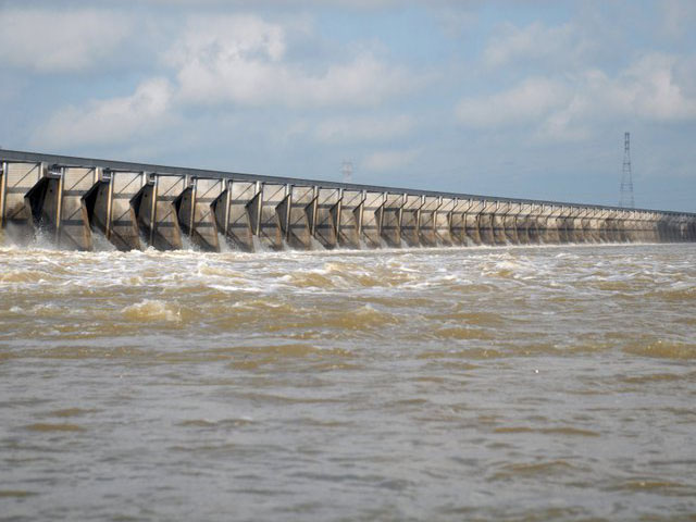 Pictured is the Bonnet Carre Diversionary Spillway located in St. Charles Parish, Louisiana. It is part of the Mississippi River and Tributaries project (MRT) and is the southernmost floodway in the MRT system. The spillway reduces risk for New Orleans and other downstream communities during major floods on the Mississippi River. (Photo courtesy of USACE, New Orleans District)