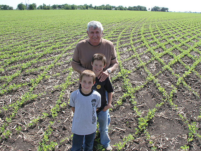 One of the fun things about farming for Bob Wieland is testing new concepts and showing it off to grandsons, Isaiah and Titus Stoller. (DTN photo by Pamela Smith)