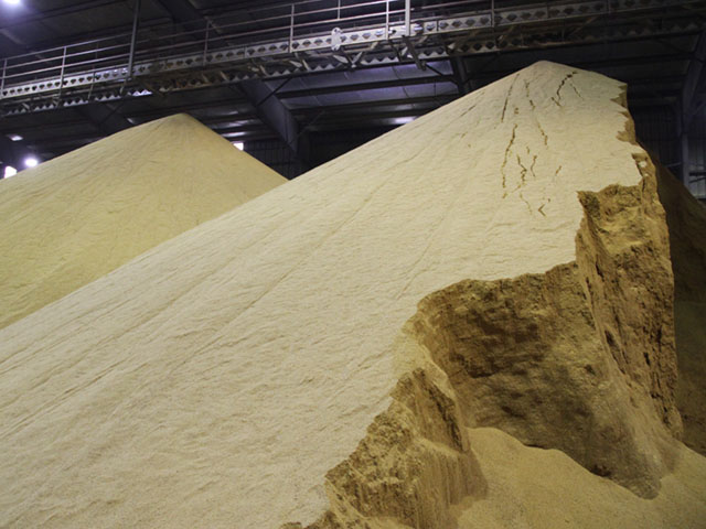 DTN's average weekly spot price for domestic distillers dried grains was lower at $132 per ton. (DTN file photo by Elaine Shein)