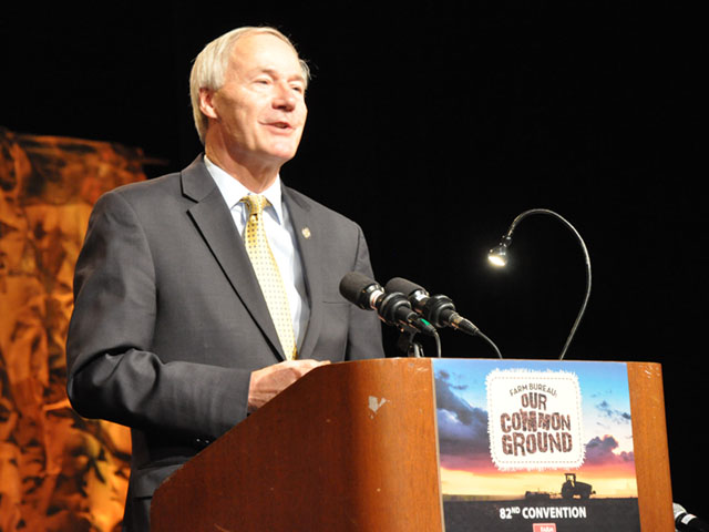 Arkansas Gov. Asa Hutchinson told members of his state Farm Bureau that he talked about the importance of agricultural trade when Hutchinson spoke earlier this week with President-elect Donald Trump. Hutchinson has used trade missions to Cuba and China to boost both exports and direct investment in his state. (DTN photo by Chris Clayton)