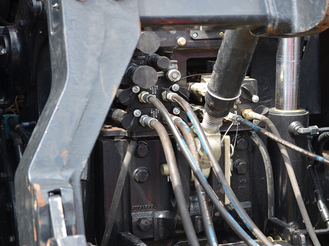 Hydraulics are the heart of tractor systems that run implements, but they require maintenance and caution. (DTN/The Progressive Farmer photo by Dan Miller)
