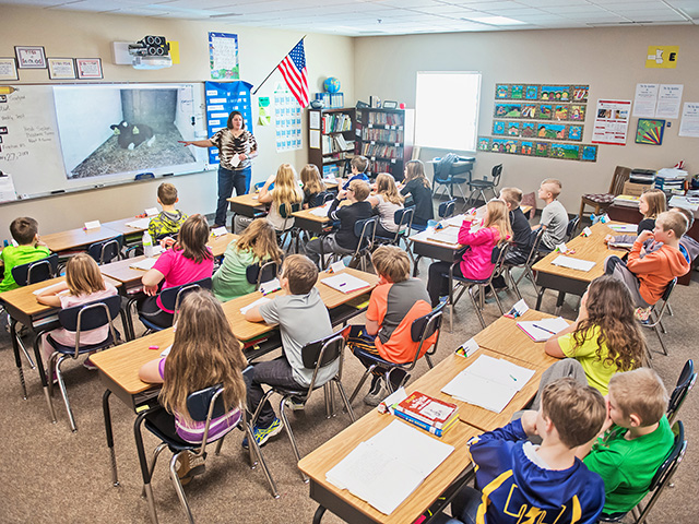 A program started by South Dakota Adopt-A-Farmer brings virtual tours of real farms to fourth-grade classrooms across the state. (Progressive Farmer photo by Greg Latza)