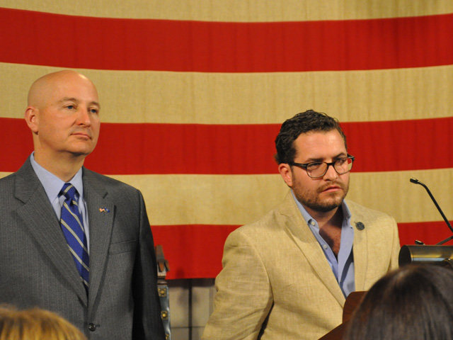 Nebraska Gov. Pete Ricketts, left, listens as Felipe Basarte a purchasing manager for a Mexican cattle union, takes a question at a press conference on U.S.-Mexican ag trade on Tuesday. (DTN photo by Chris Clayton)