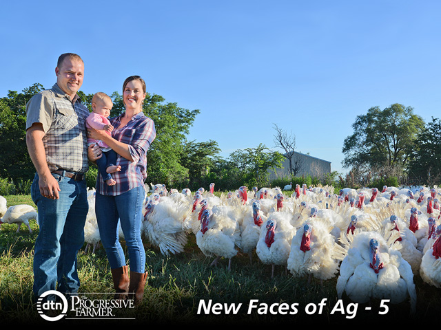 Filling Thanksgiving orders is a hectic time for Matt and Eleanor Tiefenbrun, shown with daughter Alice. (DTN/The Progressive Farmer photo by Gregg Hillyer)