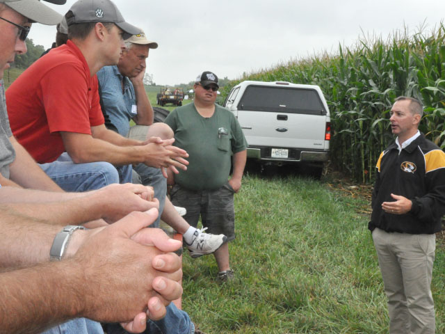 Missouri farmers listen to MU Weed Scientist Kevin Bradley explain the causes behind the state's many dicamba injury reports this year. (DTN photo by Russ Quinn)