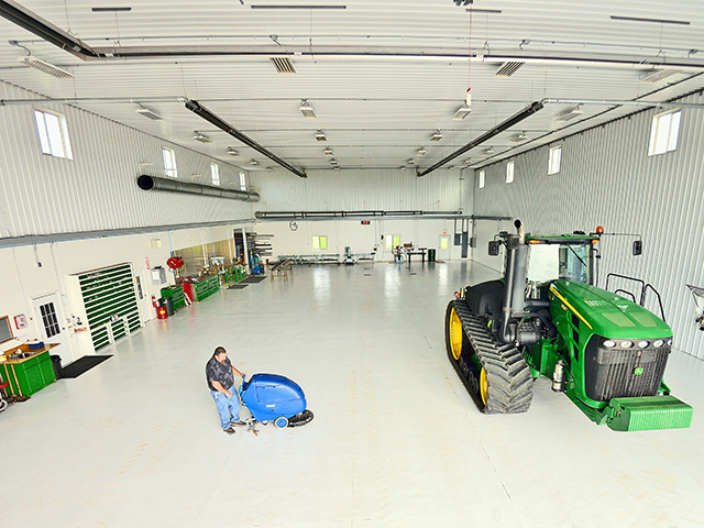 JR Breitkreutz keeps his 60- by 120-foot workspace clean and well-organized. (Progressive Farmer photo by Jim Patrico)