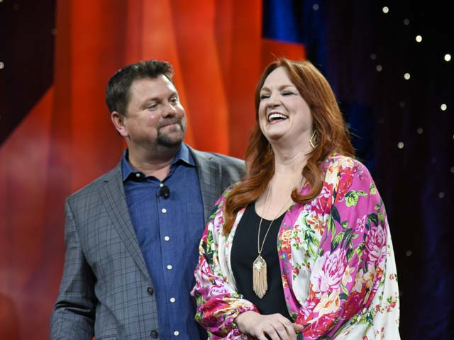 The opening general session at this year's National Cattlemen's Beef Association in Phoenix, Arizona, featured a talk by Ree Drummond, Food Network's The Pioneer Woman. The session was hosted by SiriusXM's Storme Warren. (Photo courtesy of ZimmComm New Media/NCBA)