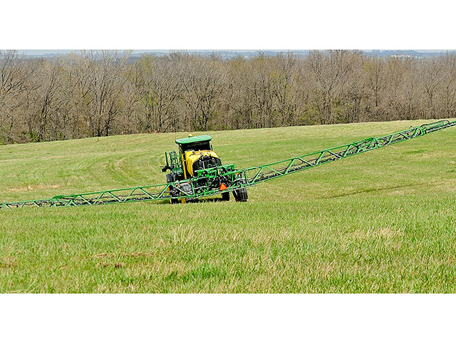 Turns on hilly ground can cause a spray boom to sway, putting one end in the air and the other on the ground. Results: poor coverage and possible drift. (DTN/The Progressive Farmer photo by Jim Patrico)