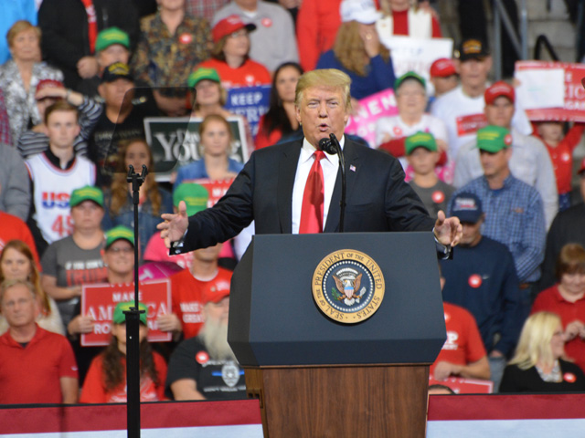 President Donald Trump at a rally last fall in Council Bluffs, Iowa, declared he was going to get E15 approved year-round. The president will travel to an ethanol plant south of Council Bluffs on Tuesday where industry leaders will thank him for EPA completing the E15 rule. (DTN file photo by Todd Neeley)