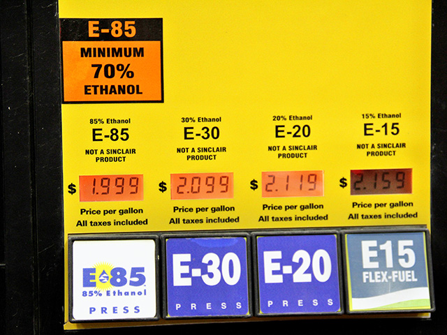 A flex-fuel blender pump provides a range of fuel options. Since California developed a low-carbon fuel standard, demand for E85 has grown rapidly among consumers, driven mainly by lower fuel costs, Image by Elaine Shein