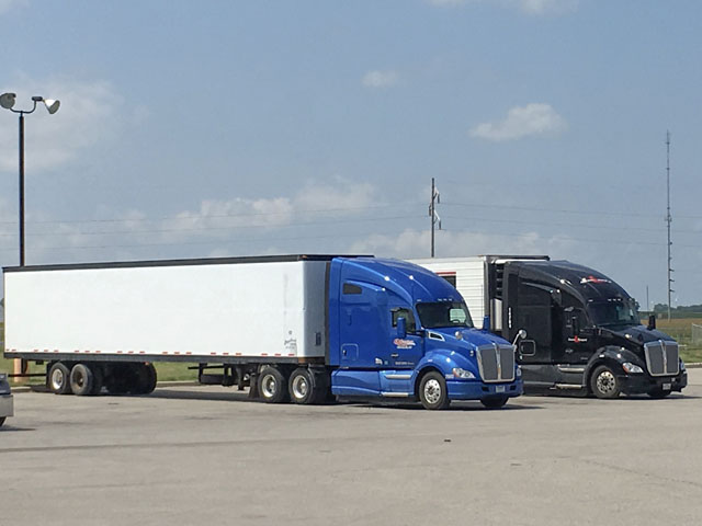 The U.S. Department of Transportation's Federal Motor Carrier Safety Administration has proposed changes to the hours of service rule that would allow one off-duty break of at least 30 minutes, but not more than 3 hours, that would pause a truck driver's 14-hour driving window, provided the driver takes 10 consecutive hours off-duty at the end of the work shift. (DTN photo by Mary Kennedy)