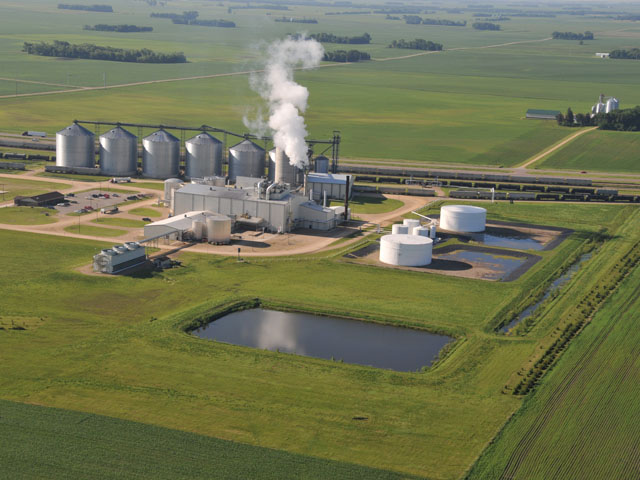 POET announced it would idle an ethanol plant in Cloverdale, Indiana, after the EPA announced the latest approval of small-refinery waivers. The company said it already has cut production at many of its 28 plants. (DTN/Progressive Farmer file photo by Tom Dodge)