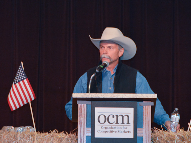 Bill Bullard, president and CEO of R-CALF USA, spoke Wednesday at a cattle producer rally in Omaha. Groups at the meeting want fairer livestock marketing rules and country-of-origin labeling reinstated for meat products. (DTN photo by Chris Clayton)