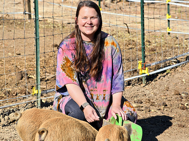 The popularity of Beth Hornsby's posts about breed sow, Okra, showed the family how important Facebook and Instagram could be to their growth. (Progressive Farmer image by Becky Mills)
