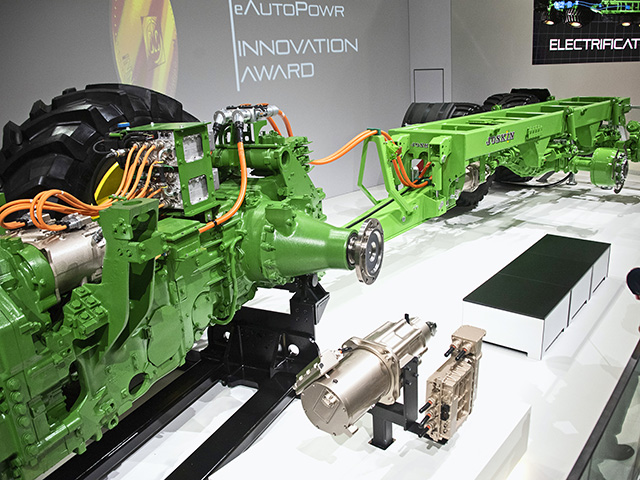 John Deere's eAutoPowr allows a tractor to produce electricity that can be used to power an axle on an implement. (Progressive Farmer image by Joel Reichenberger)