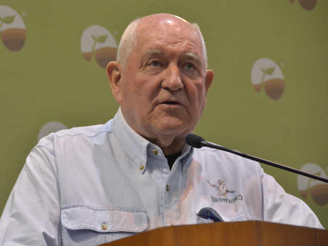 """Agriculture Secretary Sonny Perdue spoke to reporters Thursday in downtown Omaha. Perdue didn't have up-to-the-minute details on trade talks in Washington, but the secretary said up to $50 billion in agricultural sales to China would be a """"bonanza"""" if they came to fruition. (DTN photo by Chris Clayton)"""