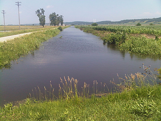 Opponents of the waters of U.S. rule claim the rule would give the EPA and U.S. Army Corps of Engineers broad authority over basic farming practices simply because water may pool somewhere after a rain or fill a ditch. (DTN file photo by Richard Oswald)