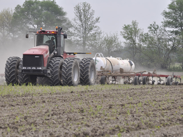 Anhydrous is the least-expensive form of nitrogen, but the tradeoff is it can also be a dangerous form to work with. (DTN photo by Greg Horstmeier)